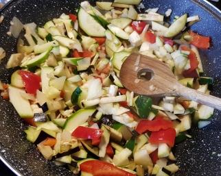 alle groenten in de pan